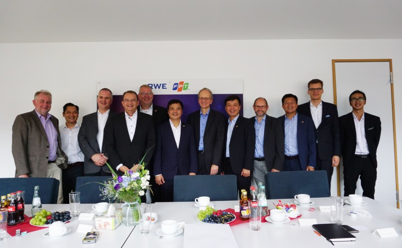 FPT, RWE to prolong successful strategic partnership